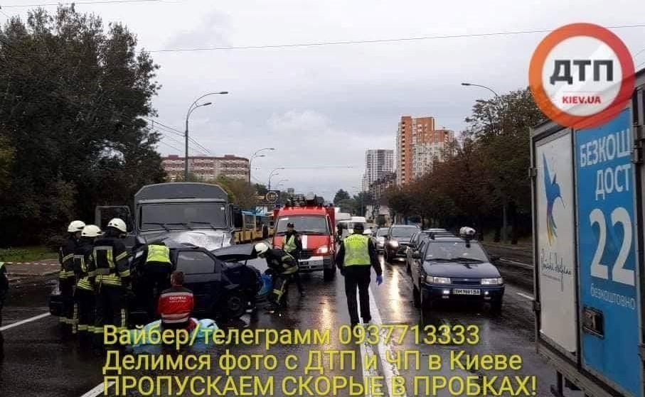 У поліції підтвердили смерть спецпризначенця у ДТП на Лобановського у Києві / фото dtp.kiev.ua