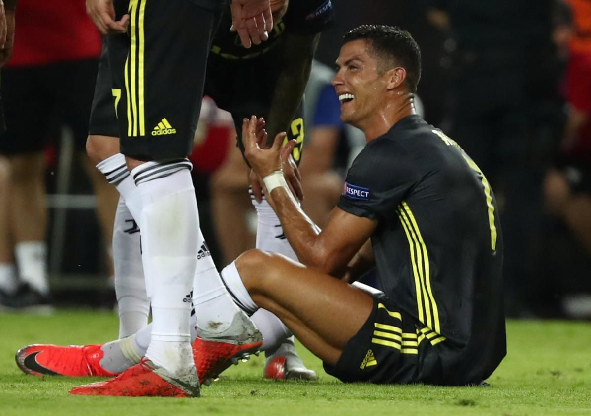 Роналду сможет вернуться в состав Ювентуса в Лиге чемпионов уже к игре с Манчестер Юнайтед / Reuters