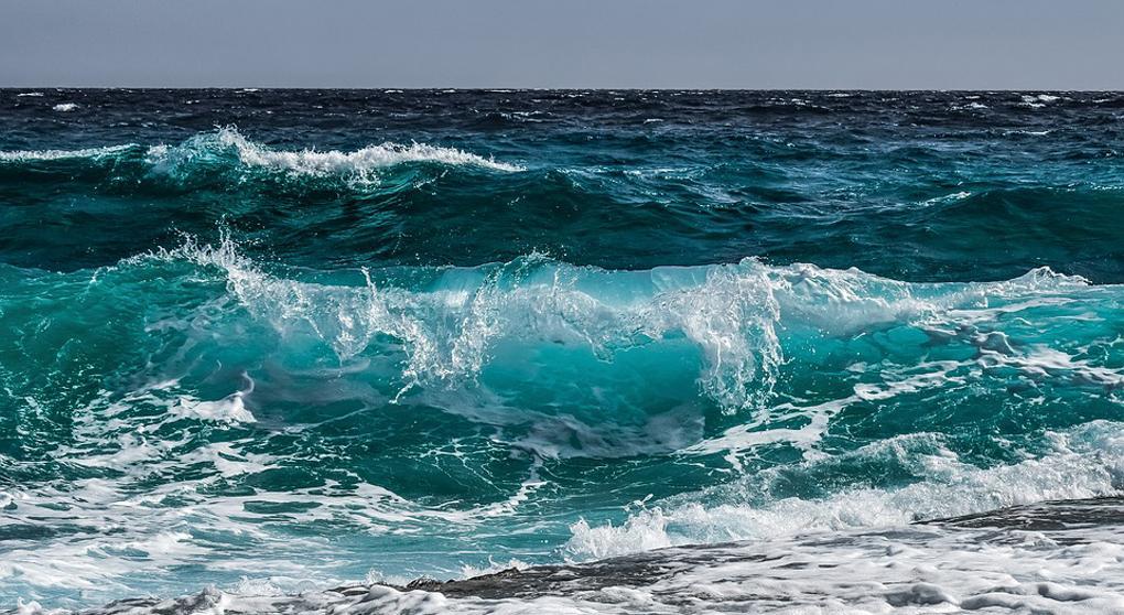 Дрейфовавший в Тихом океане 49 дней индонезиец укреплял себя чтением Библии и молитвой / foma.ru