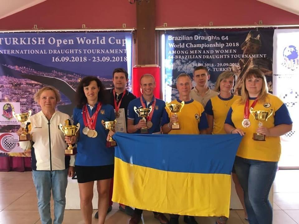 Збірна України з шашок завоювала на чемпіонаті світу шість медалей / facebook.com