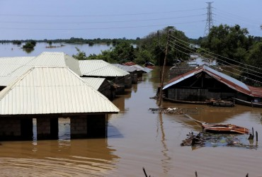 У результаті повені в Нігерії загинули більше 100 людей (відео)