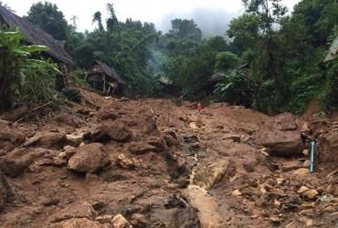 Сильні дощі призвели до повеней і зсувів в Таїланді