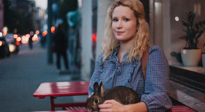 Российская певица сорвала концерт из-за отказа принести ей жареного лебедя