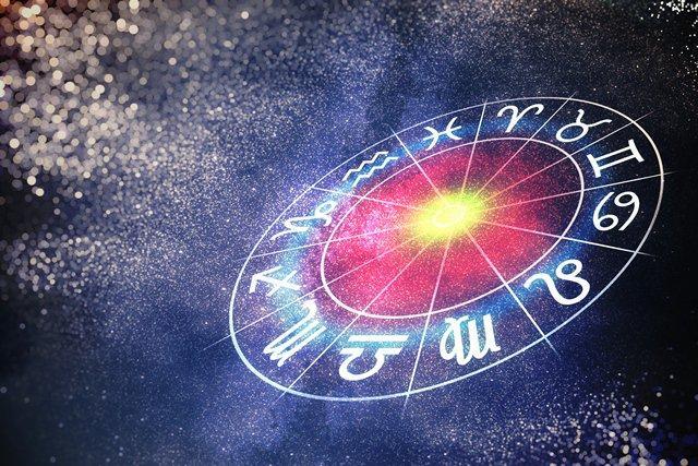 Астролог рассказал, что нас ждет в октябре / фото из открытых источников