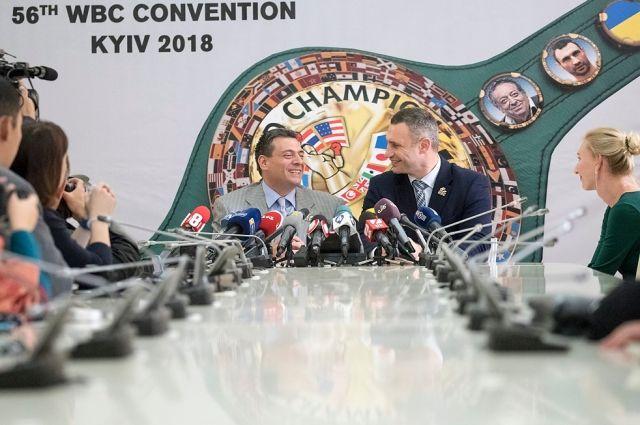 Президент WBC Маурісіо Сулейман і мер Києва Віталій Кличко / КМДА
