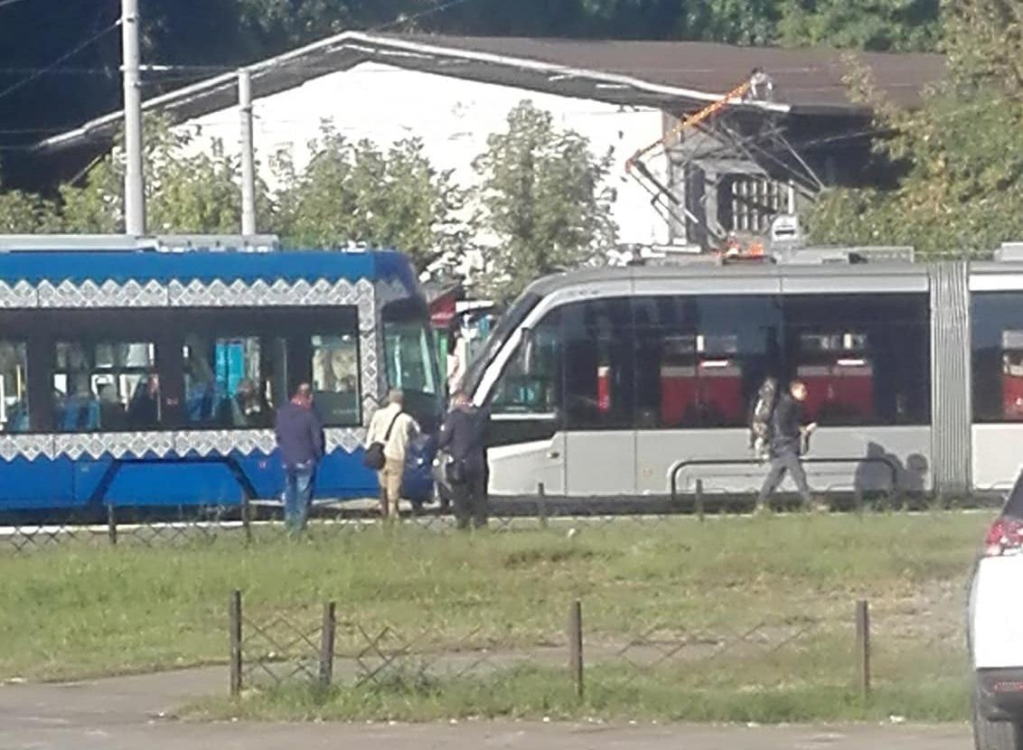 Пассажиров в салонах трамваев не было / фото Facebook: Оксана Мирошник