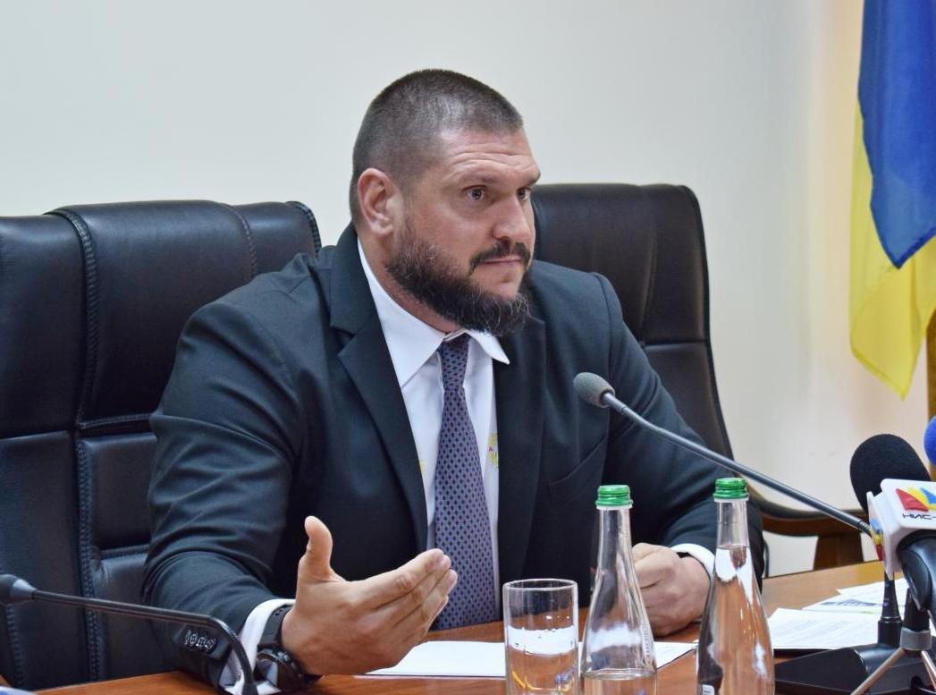 Савченко подчеркнул, что надо охватить семейными формами воспитания как можно больше детей