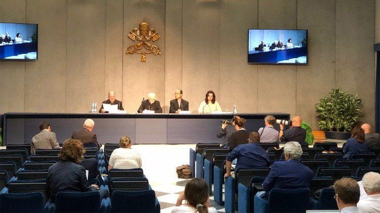 Пресс-конференция презентации Синода епископов / vaticannews.va