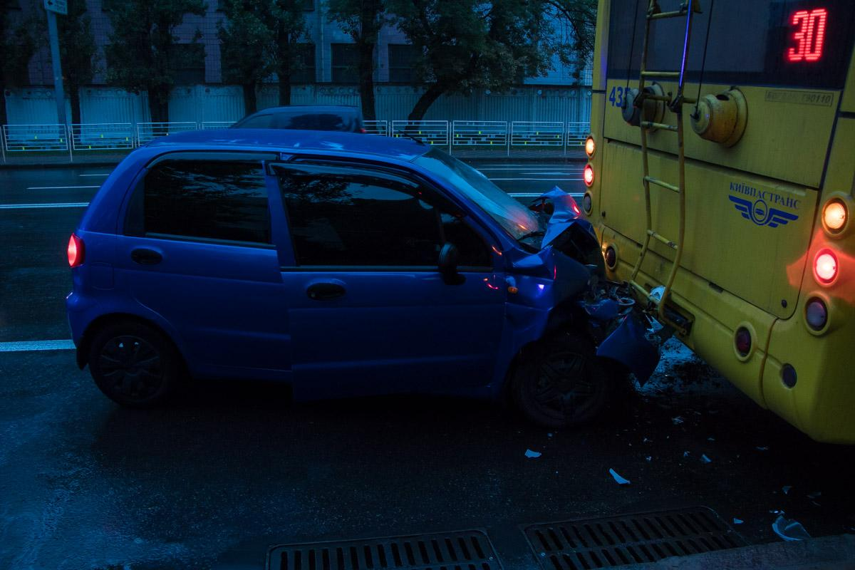 В Киеве произошло ДТП с участием троллейбуса / Сергей Марченко / Информатор