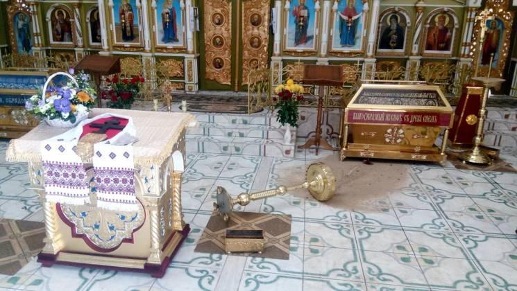 В Днепре пьяный мужчина разбил инвентарь в храме УПЦ КП / dnipro.depo.ua