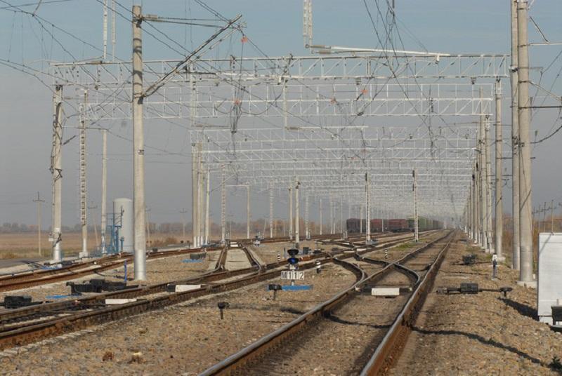 """За прошлый год """"Укрзализныця"""" отремонтировала почти 2 тысячи километров путей / фото inshe.tv"""