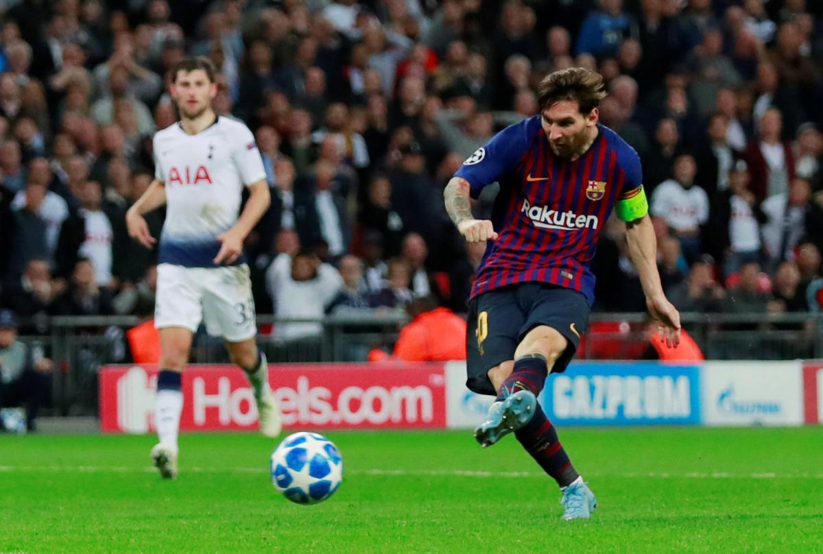 Месси забил два гола в ворота Тоттенхэма в матче Лиги чемпионов / Reuters