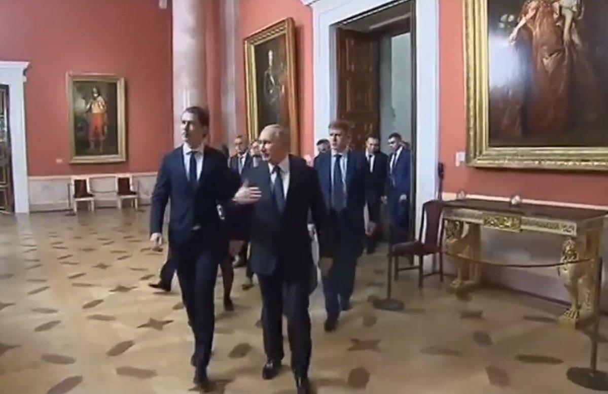 Зріст Путіна знову став приводом для глузувань / фото twitter.com/dimsmirnov175