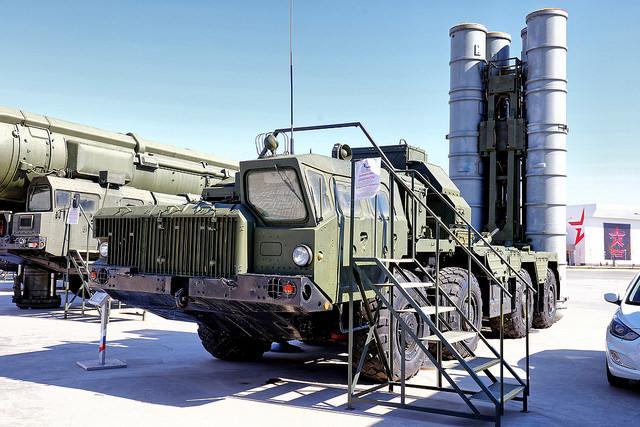 Индия купила русские  С-400 вопреки санкциям США— Economic Times