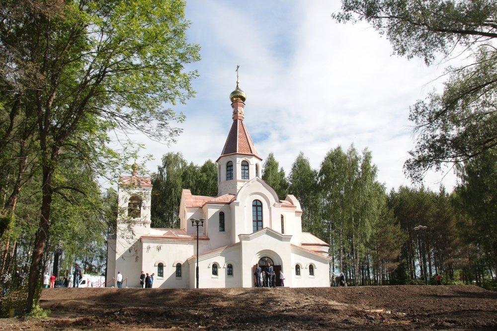 Валентина Терешкова побудувала на своїй батьківщині храм / rg.ru