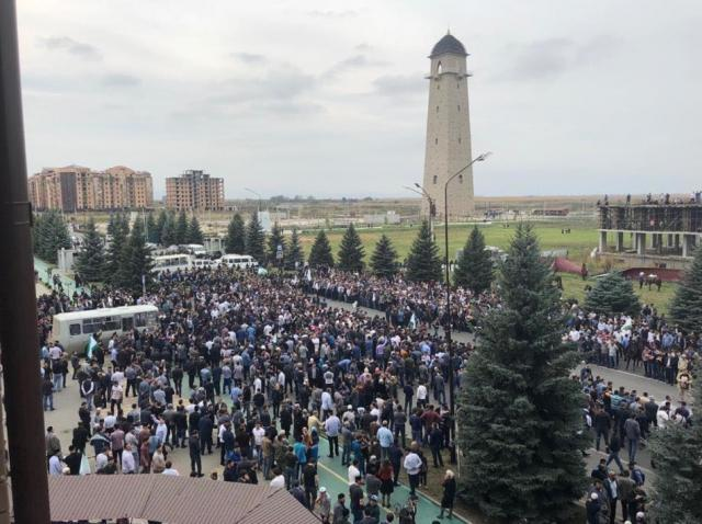 Протести почалися через незгоду із передачею частини земель Чечні / фото argumentua.com