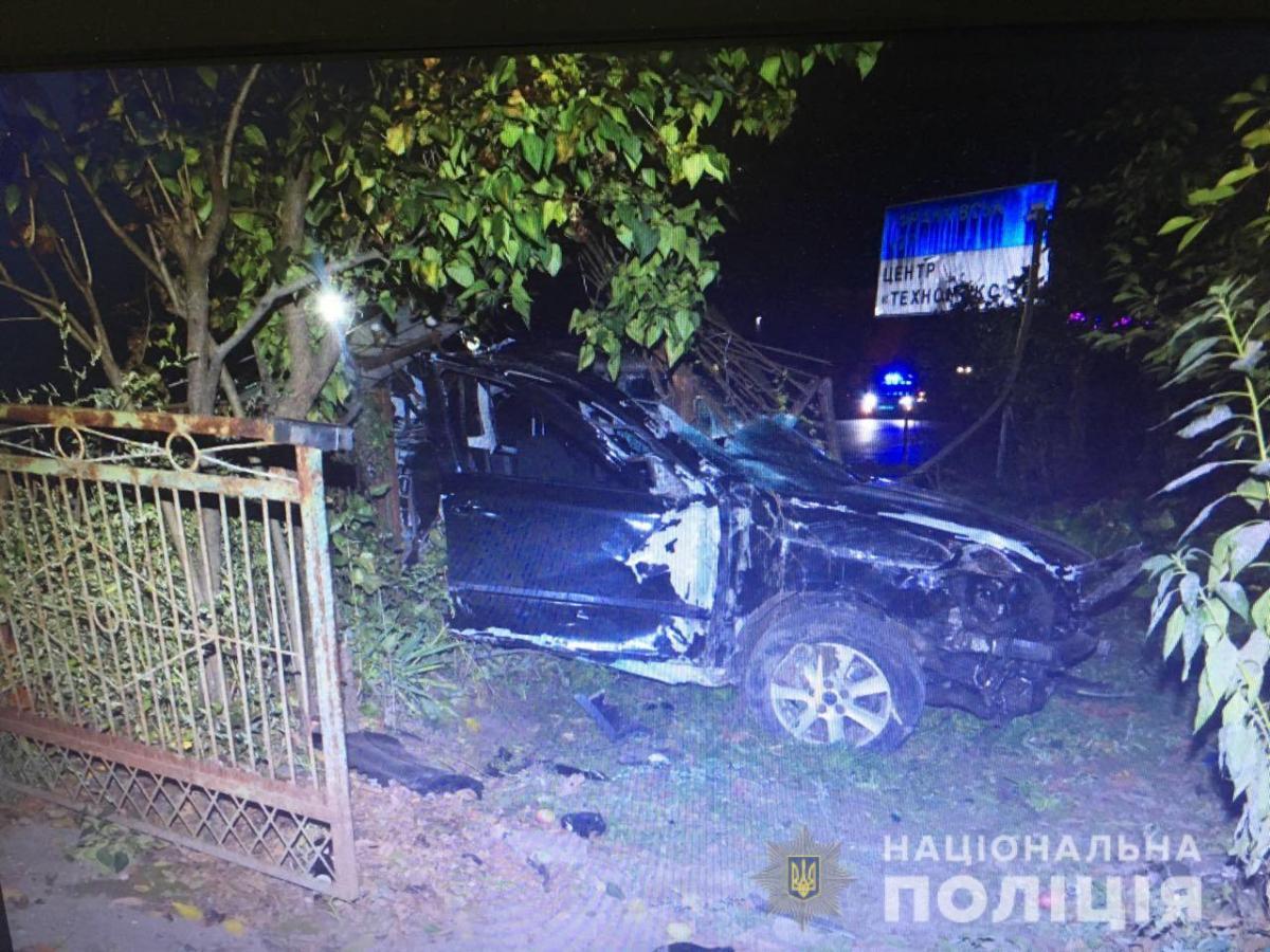 Внаслідок падіння на Львівщині електроопори на автомобіль загинуло двоє людей / фото lv.npu.gov.ua
