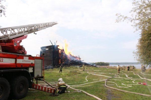 Пожежа в храмі в Карелії, 10 вересня / 10.mchs.gov.ru