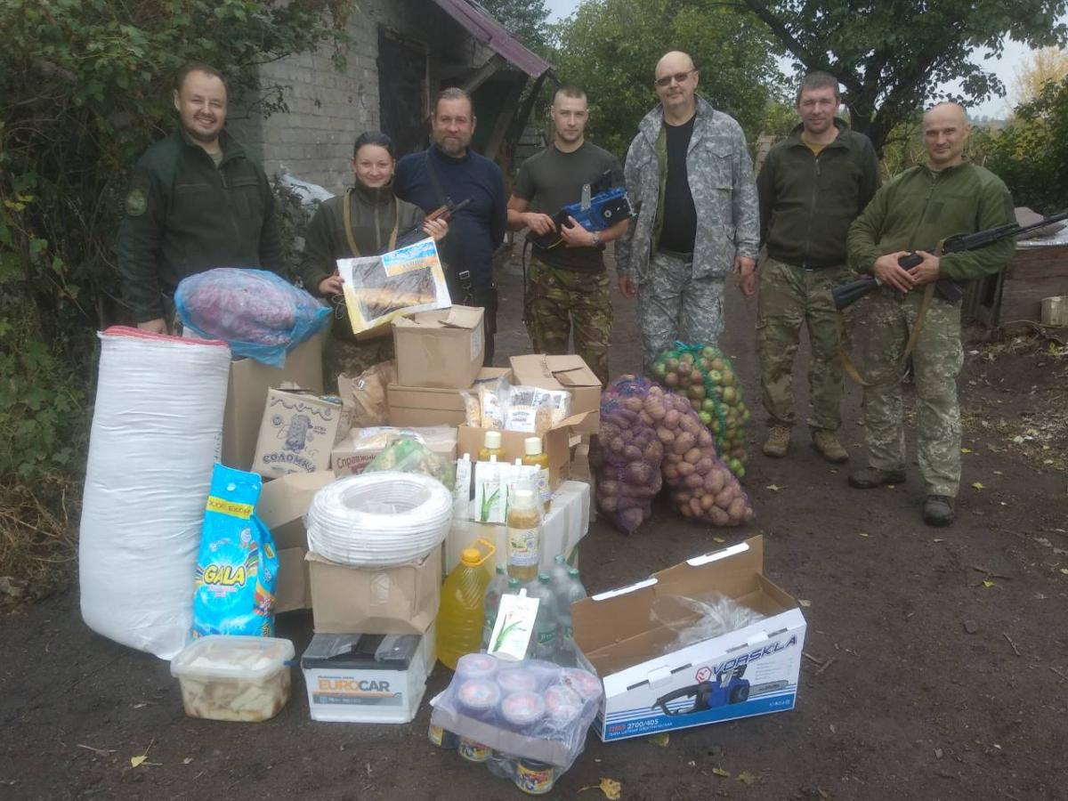 Священники-волонтеры из Винницкой области передали гуманитарную помощь для военных и мирных жителей прифронтовой зоны / orthodox.vinnica.ua