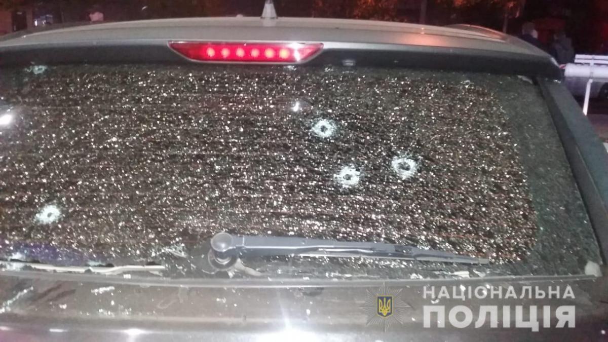 Нападники в упор розстріляли машину активіста і втекли / фото od.npu.gov.ua