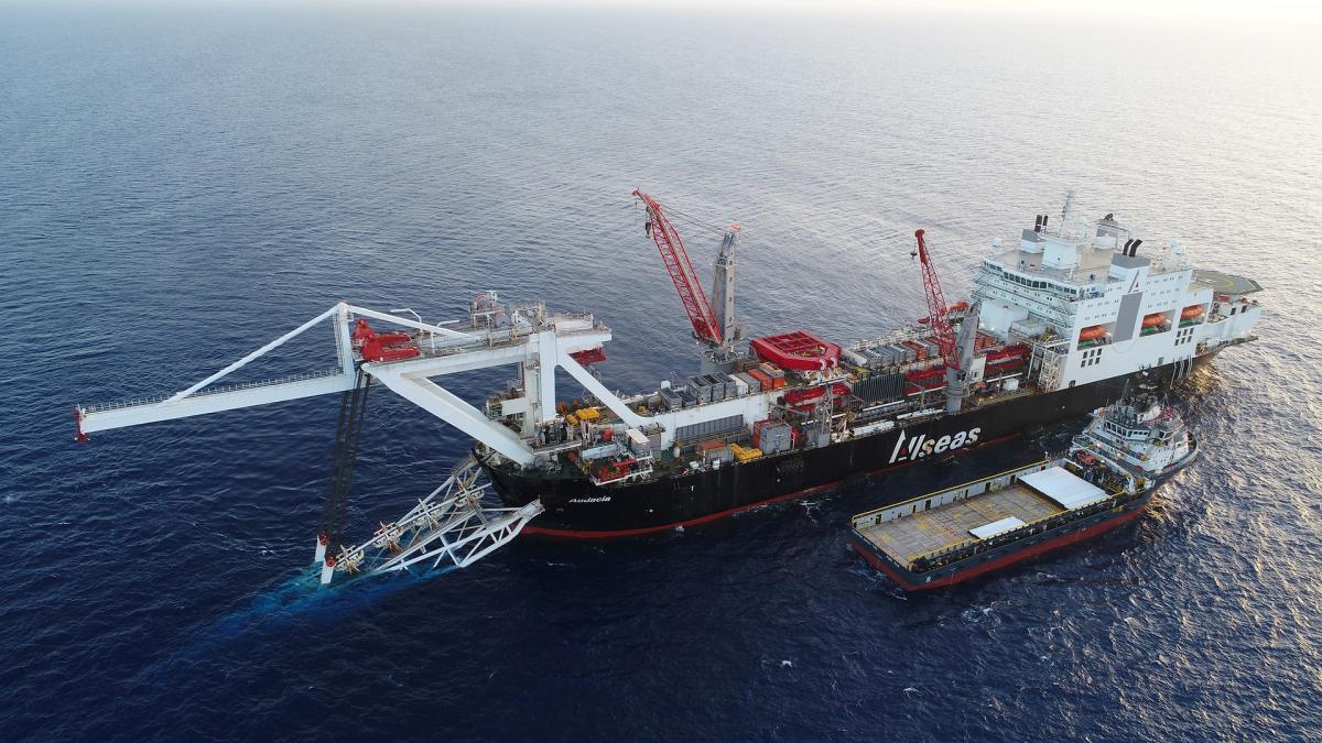 Газопровод уже проложен на многие километры в море / фото nord-stream2.com