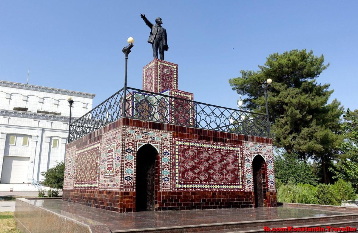В Туркмению полетел в июле, когда у них там +50 днем и +36 ночью/ фото Facebook Константина Симоненко