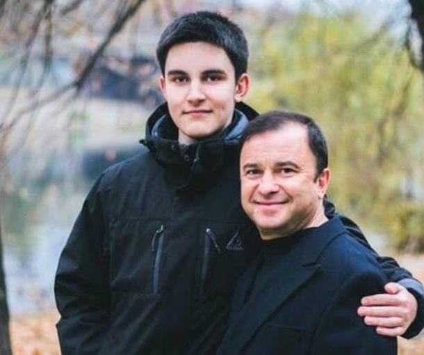 У молодшого сина Віктора Павліка виявили рак / фото facebook.com/vpavlik100