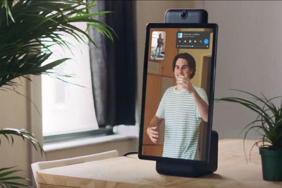 Також у колонках встановлена ширококутна камера, що має зробити спілкування більш комфортним \ Facebook