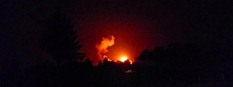 Взрывы начались в 3:30 / фото informator.ua