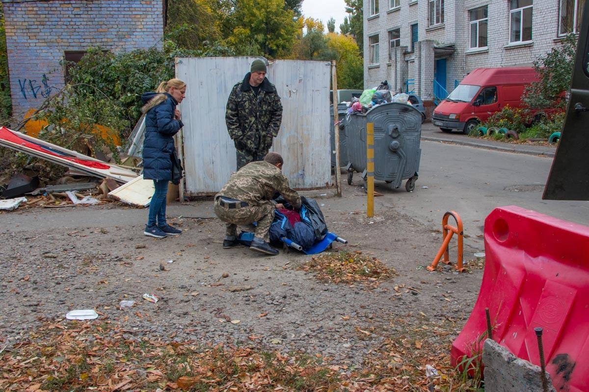 """Труп чоловіка лежав на території спеціалізованої школи №88 / """"Інформатор"""""""