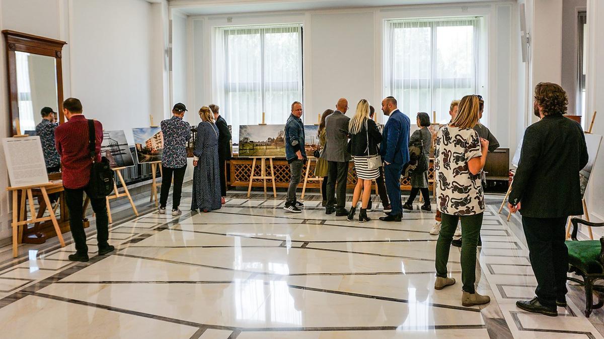 В Польше открылась выставка о еврейских кладбищах / VosIzNeias