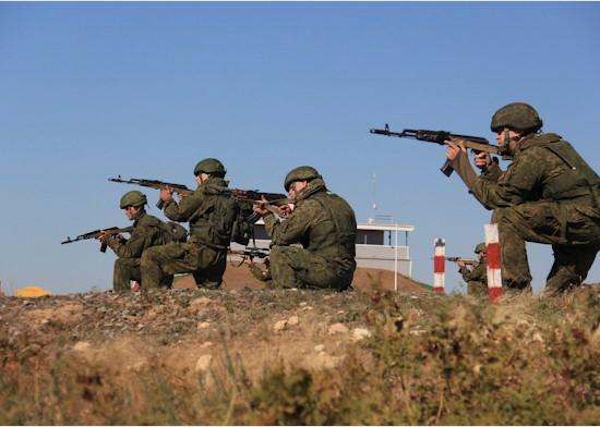 Міноборони РФ похвалилось навчаннями своїх десантників / фото mil.ru