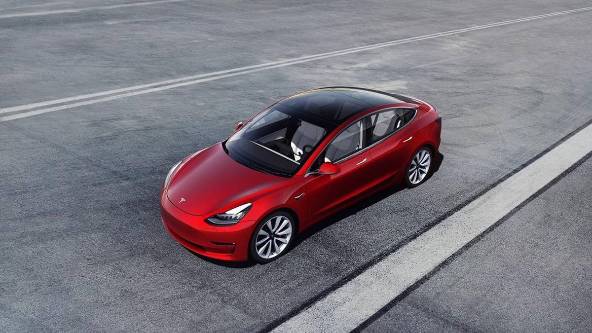 Раніше Tesla повідомила про рекордний виробництві за підсумками 2018 року \ фото autonews.ua