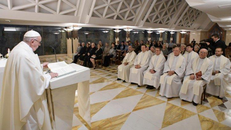Папа Римский в часовне Дома Святой Марфы / vaticannews.va