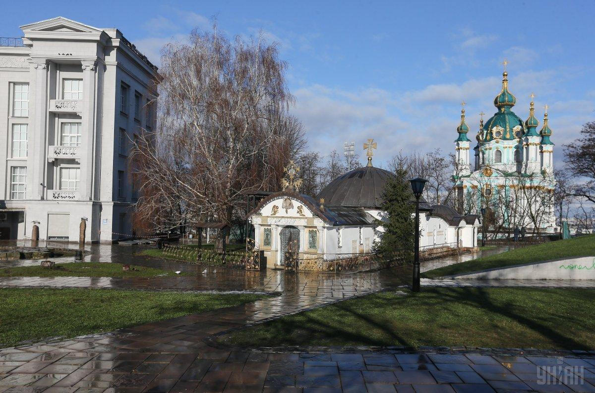 Часовня Десятинного монастыря УПЦ МП размещена незаконно / фото УНИАН