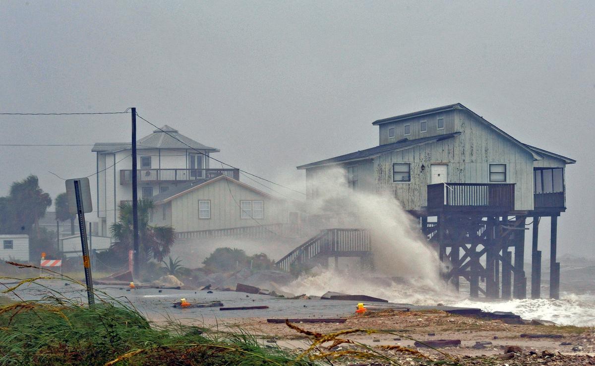 """Ураган """"Майкл"""" стал самым сильным за последние 80 лет / REUTERS"""
