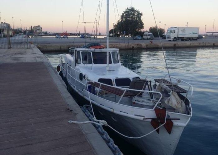 Украинская яхта перевозила 57 мигрантов / фото dpsu.gov.ua