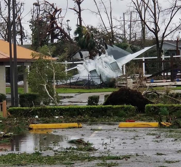 """Ураган """"Майкл"""", нанес прямой удар по базе ВВС США / Twitter/Christine Lynch"""