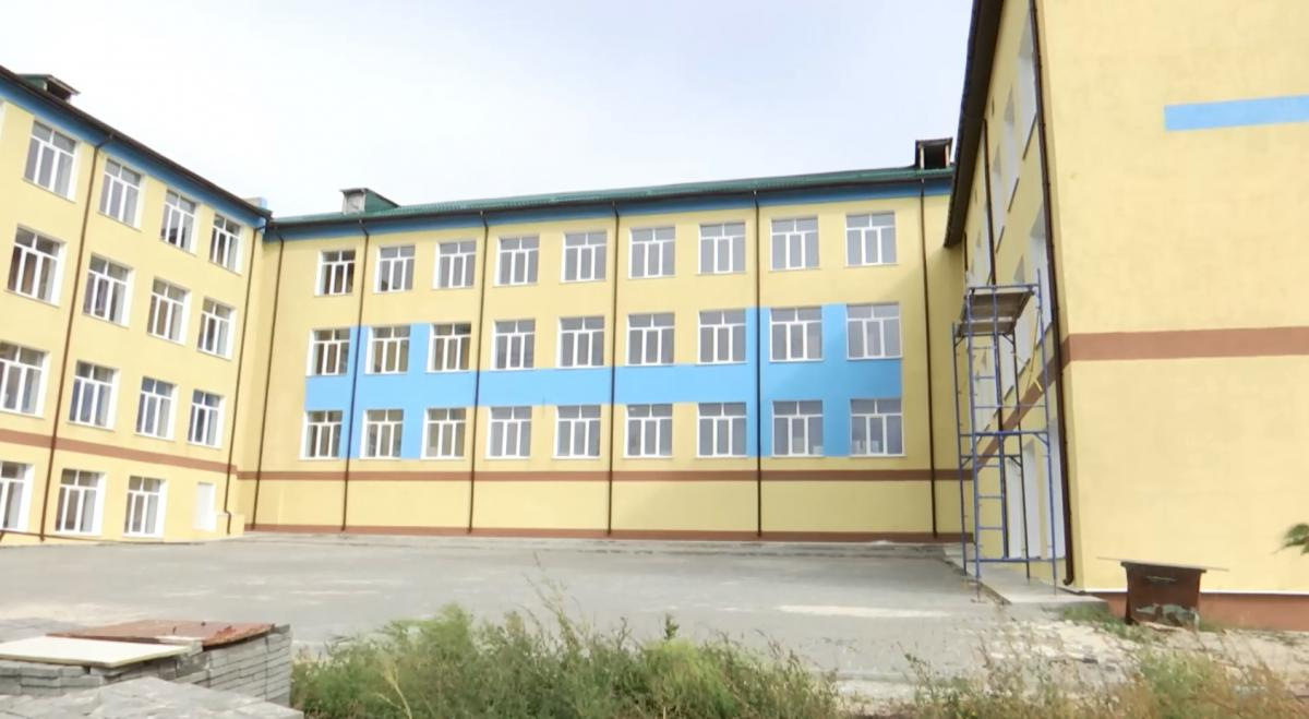 Школа на ремонті з 2016 року, дітей доводиться возити в іншу школу автобусом