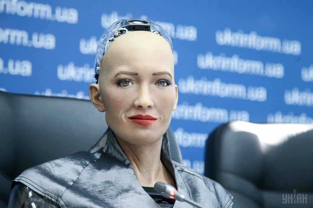 Стало известно, благодаря чему робот София настолько сообразительная / фото УНИАН