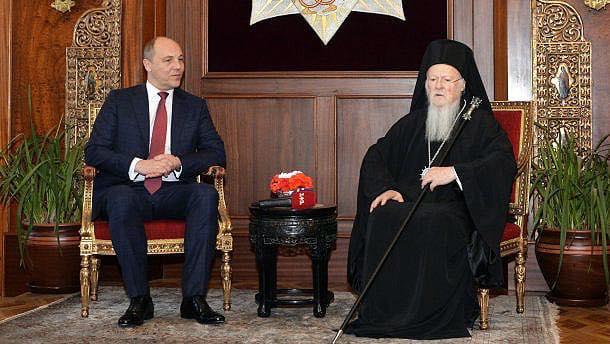 Парубій прокоментував сьогоднішнє рішення Синоду / facebook.com/andriy.parubiy
