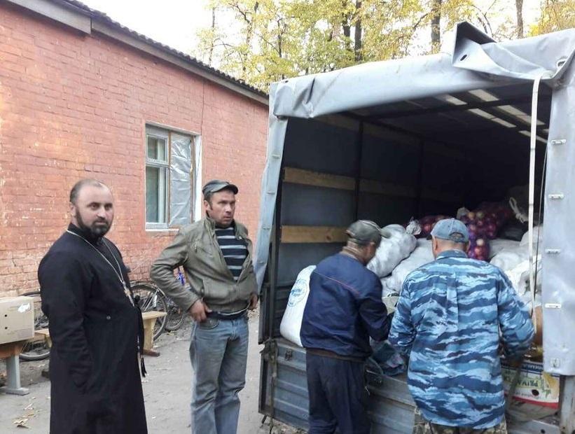 Священники Нежинской епархии посетили наиболее пострадавшие села от аварии в Ичне / orthodox.cn.ua