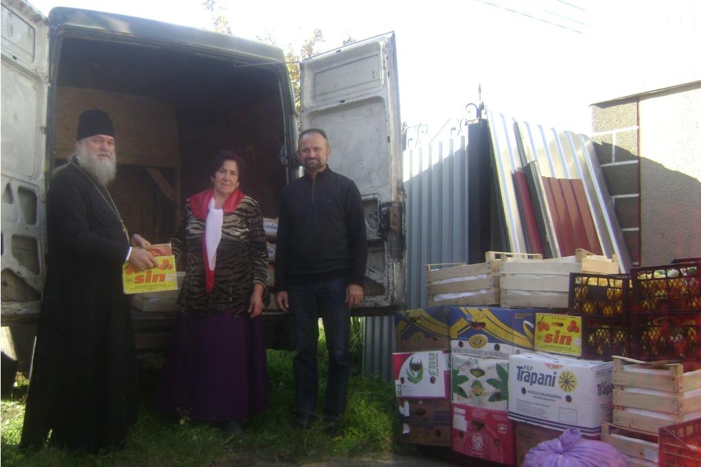 Монахи и верующие Киевской области собрали гуманитарную помощь для военных в ООС / boryspil-eparchy.org
