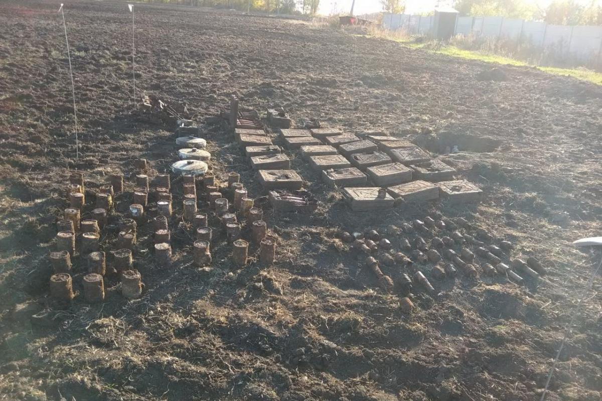 На Харківщині знайшли арсенал боєприпасів часів Другої світової війни / фото ДСНС