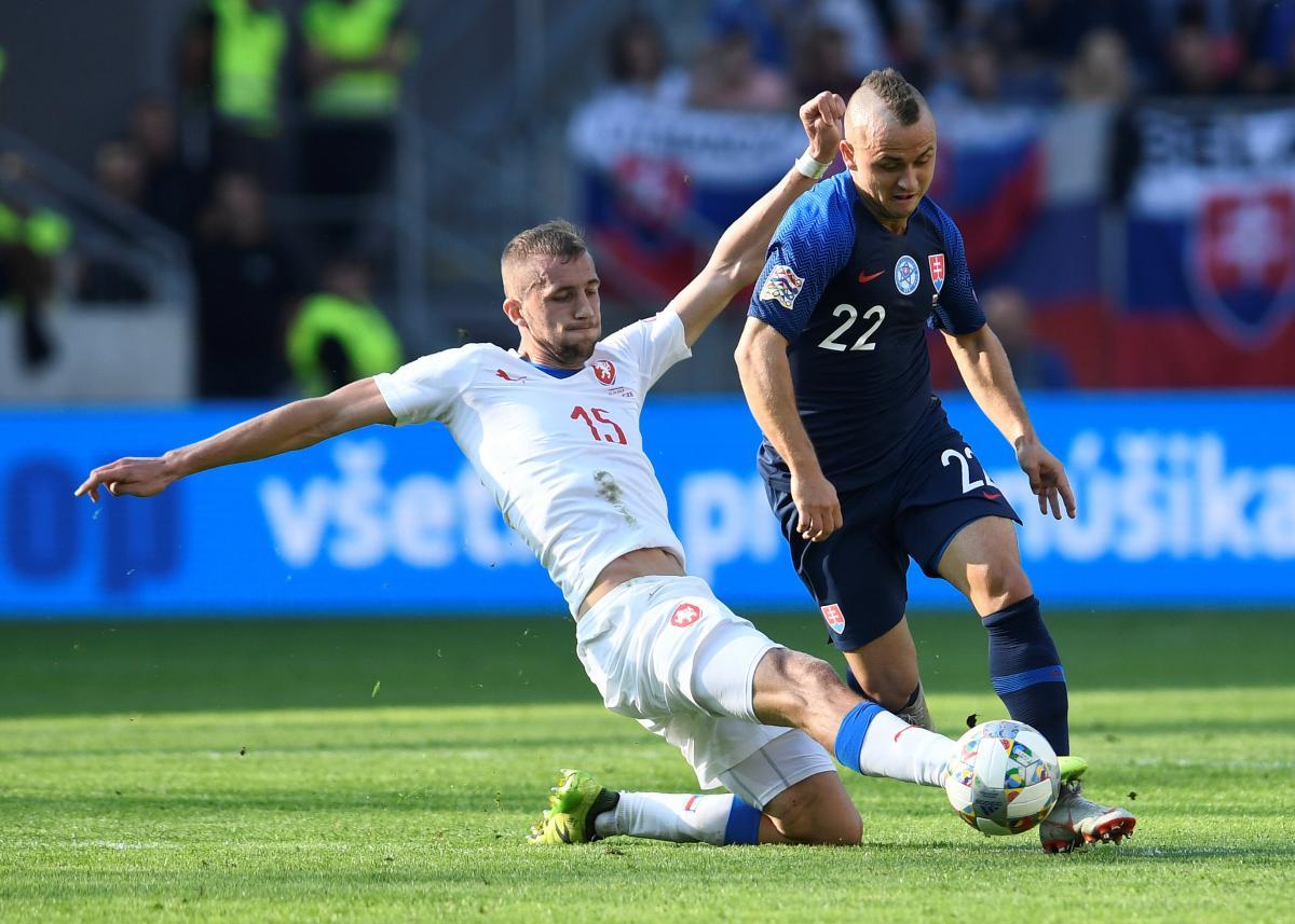 Збірна Чехії обіграла у виїзному матчі команду Словаччини / Reuters