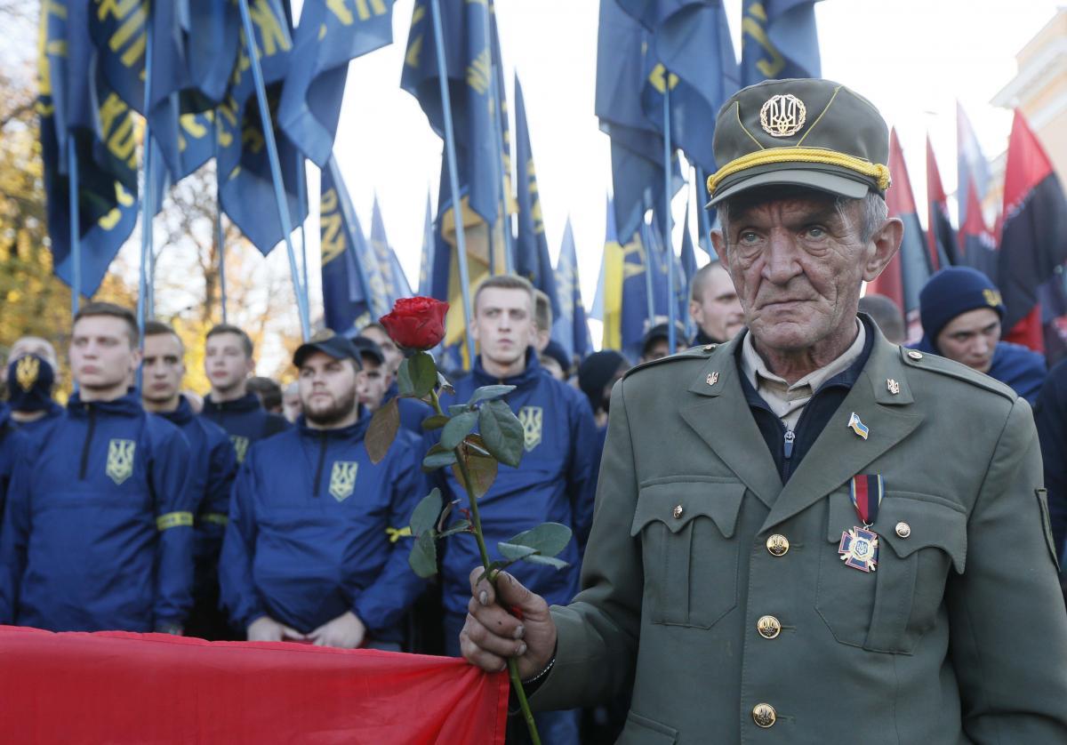 Президент подписал закон о признании воинов УПА участниками боевых действий / REUTERS