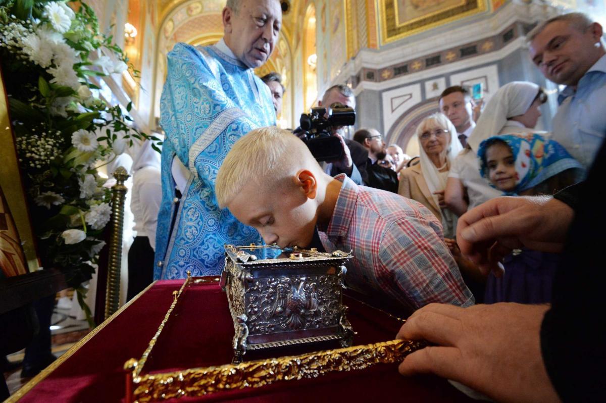 Более миллиона верующих поклонились деснице Спиридона Тримифунтского в России / spiridon.patriarchia.ru