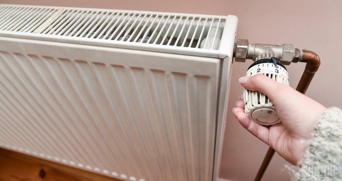 Більшу частину столичних житлових будинків підключили до тепла / фото УНІАН