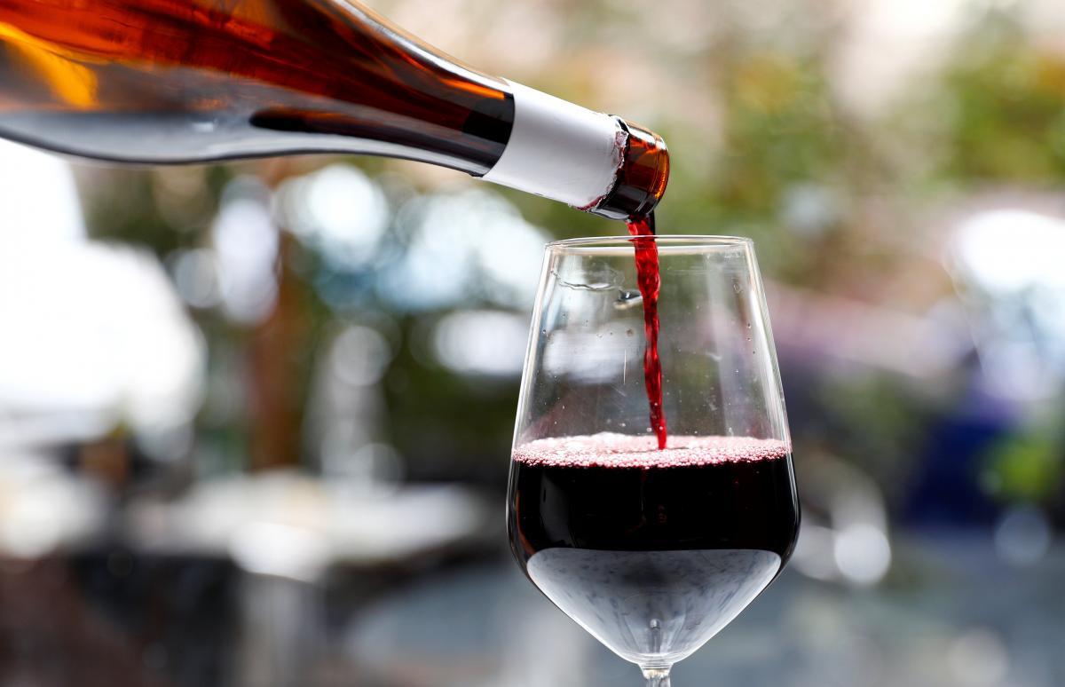 Ученые назвали возраст, когда алкоголь является наиболее опасным \ фото REUTERS