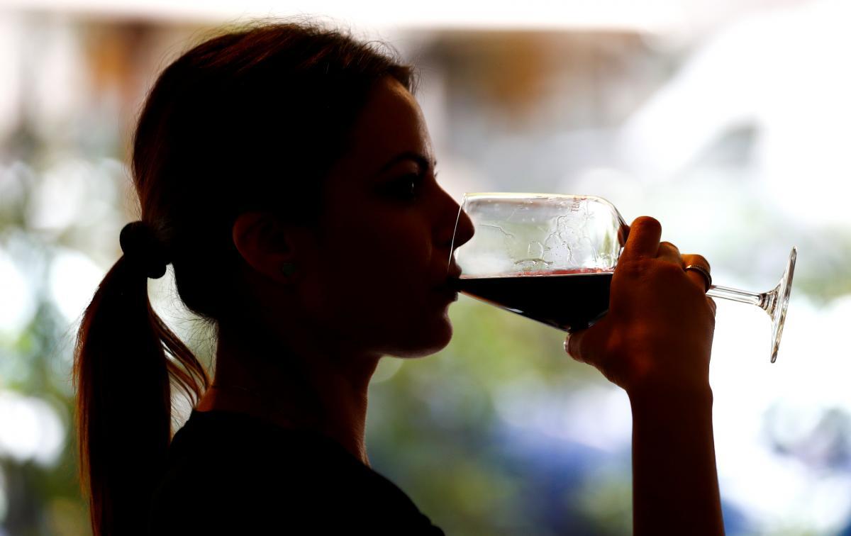 Вино чаще потребляют на Западе и в Центре / Иллюстрация / REUTERS